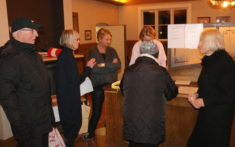 Många guider fanns på plats för att välkomna och informera besökarna.