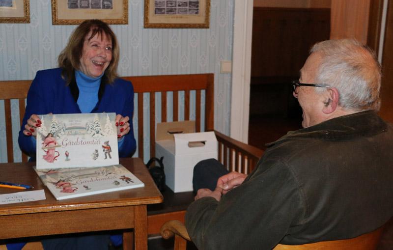 Ulla Björkman presenterade och signerade sin nya bok.
